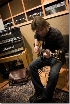 Le secret du guitariste motivé : la perséverance ! Photo : rockmixer